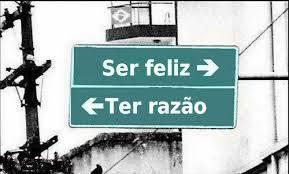 ser feliz ou ter