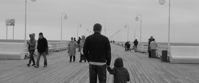 walk-on-pier-1429351-1920x1920